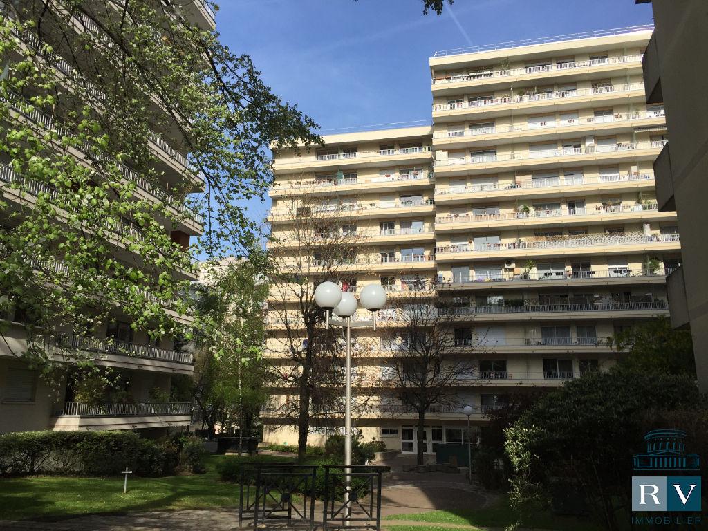 Paris 19è Vente en viager 4 p. 82 m2